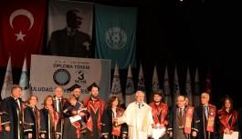 Uludağ Üniversitesi'nden 18 sene sonra mezun oldu