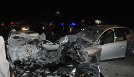 Ölümlü kazada araçtan uyuşturucu ve silah çıktı