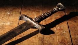 Alacak kavgasında kılıçla dehşet saçtı!