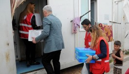 Türk Kızılayı engelli çocuğu olan Suriyeli 100 aileye yardım etti!