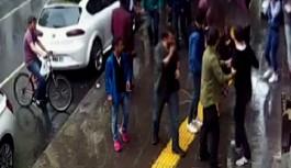 Yoldan geçen çifte saldırı