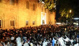 Bursalılar Ulu Cami'yi doldurdu
