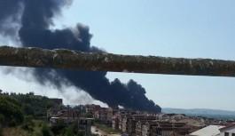 Bursa'da boya fabrikasında yangın!