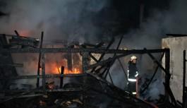 Bursa'da kereste atölyesinde feci yangın