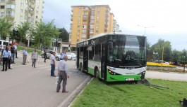 Bursa'da yolcu otobüsleri çarpıştı: 4 yaralı