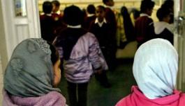 Hollanda'da bir okul Müslüman öğrencilere tazminat ödeyecek