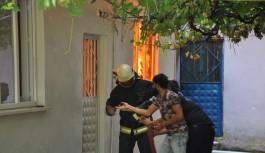 Bursa'da ev alev alev yandı