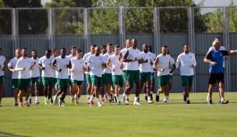 Bursaspor'da Batalla ve Stancu antrenmana çıkmadı