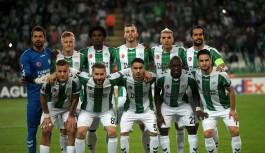 Temsilcimiz Konyaspor Vitoria Guimaraes karşısında ilk yarıyı önde kapattı