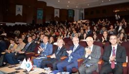 Bursa'da Uluslararası ilişkiler Uludağ Üniversitesi'nde masaya yatırıldı