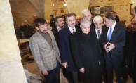 Başbakan Kilis'te, PKK'nın vurduğu camiyi inceledi