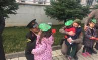 Bursalı miniklerden Afrin'deki Mehmetçiğe moral kargosu