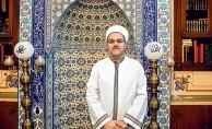 Camiyi evsizlere açtı: 'İçinde sevgi yoksa yaptıkların eksik kalır'