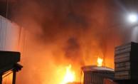Geri dönüşüm fabrikası yandı!