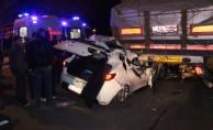 Otomobil TIR'a arkadan çarptı: 4 yaralı