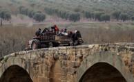 Afrin'de bugün 15 köy alındı! Bir günde kent merkezinden 30 bin sivil ayrıldı