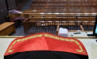 FETÖ'den yargılanan eski savcıya hapis cezası