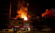 Başkentin tarihi mahallesinde 7 ev yandı