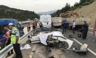GÜNCELLEME - Otomobil ikiye bölündü: 3 ölü, 2 yaralı