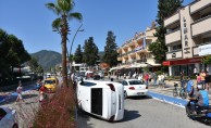Marmaris ve Alanya'da trafik kazaları: 8 yaralı