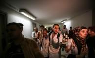 GÜNCELLEME- İsrail Gazze sınırında biri sağlık görevlisi iki Filistinliyi şehit etti