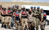 MİT'in Suriye'de yakaladığı Zeytin Dalı Harekatı sırasında 2 askerin şehit edilmesi olayına karışan 9 YPG/PKK'lı terörist adliyeye sevk edildi.