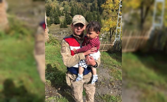 Artvin'de kaybolan çocuk 5 saat sonra bulundu
