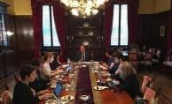 Büyükelçi Esenli, gazetecileri Türk dış politikası konusunda bilgilendirdi