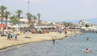 Tatilin ilk gününde sahiller boş kaldı