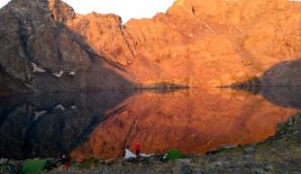 Kaçkar'ın zirvesinde göllerin kenarında