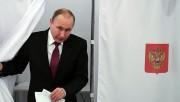 Rusya sandık başında! Putin oyunu kullandı