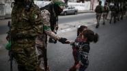 Hamas'ın kuruluş yıl dönümünde askeri geçit töreni düzenlendi