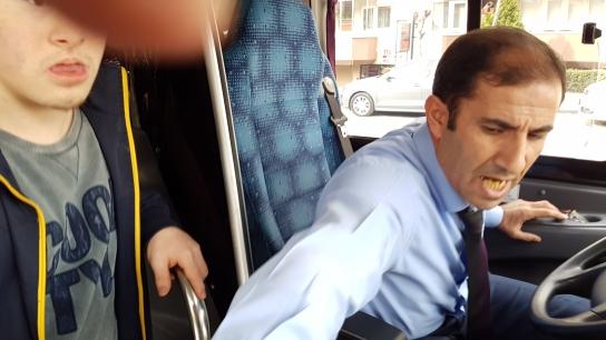 Bursa'da engelli çocuk ve babasına özel halk otobüsünde hakaret