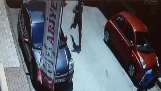 Bursa'da sokak ortasında dehşet kamerada