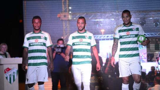 Bursaspor'un Yeni Sezon Formaları Tanıtıldı
