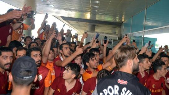 Galatasaray yeni transferine kavuştu