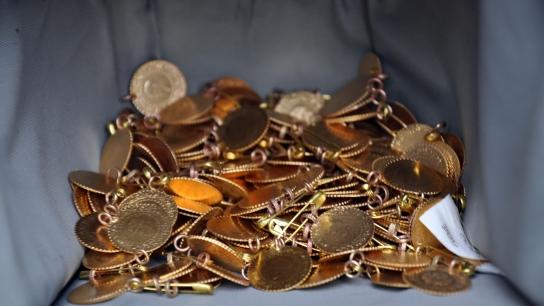 Bursa'da kuyumculara sahte altın satan çete yakalandı
