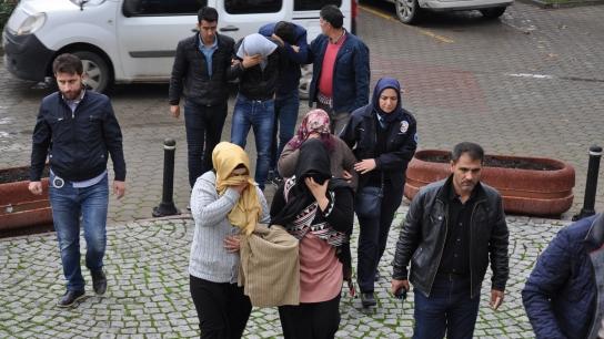 Bursa'da kuyumculara sahte altın sattılar!