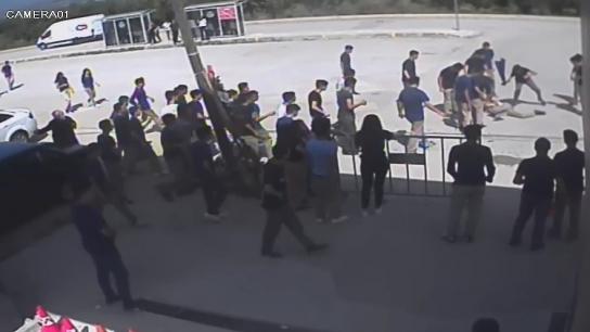 Lise öğrencisi okulda alev alev yandı