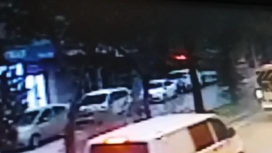 Direksiyon başında kalp krizi geçiren otobüs şoförü dehşet saçtı...