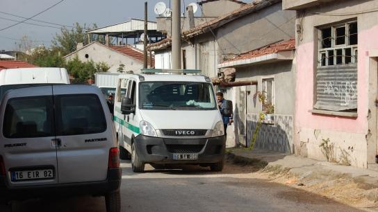 Bursa'da genç kız, annesini döven babasını öldürdü