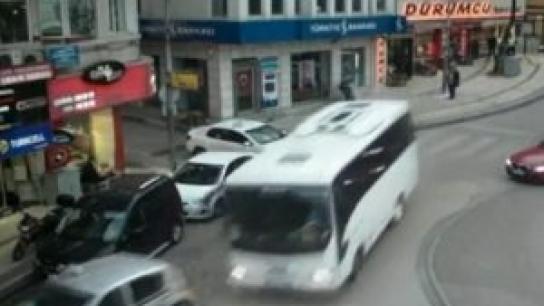 Bursa'da frenleri patlayan midibüste faciaya kıl payı!