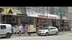Bursa'da işçinin inşaattan düşme anı kamerada