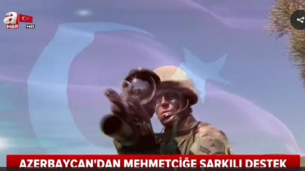 Azerbaycan'dan Mehmetçiğe şarkılı destek