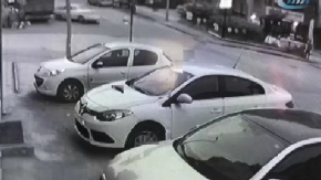 Akıl almaz kaza: Göz göre göre yayayı ezdi