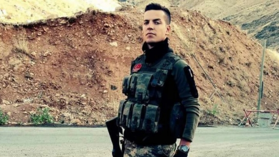 Bursa şehit asker Harun Avas'a ağlıyor