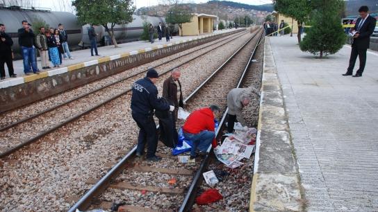 Tren çarpan Suriyeli kadın feci şekilde can verdi