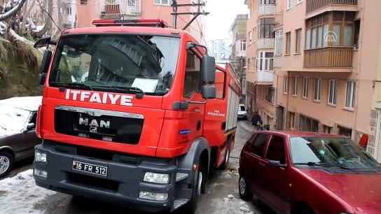 Bursa'da bir evin bodrum katında yangın çıktı