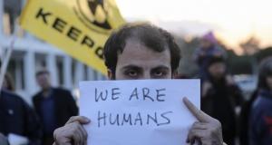 Atina'da sığınmacılara destek gösterisi