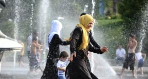 Bursa'da nem ve sıcaklar vatandaşları bunalttı